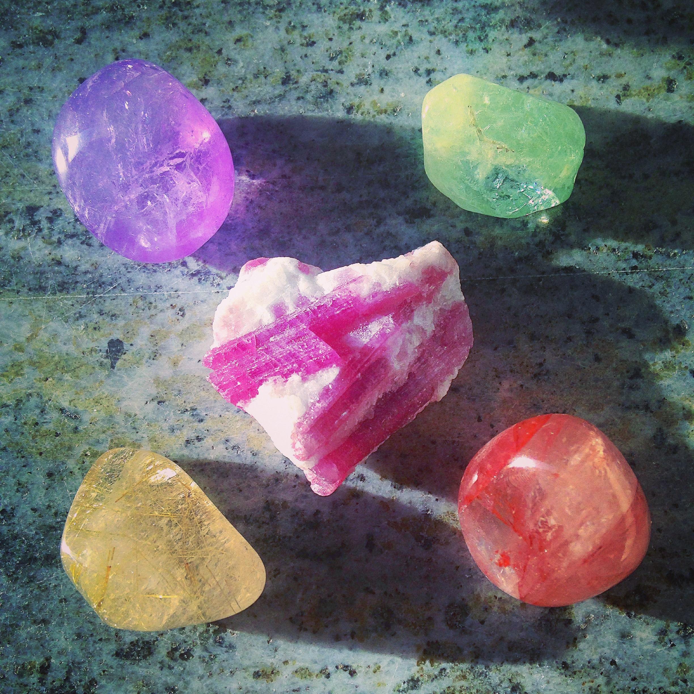 Smycken och stenar,äktaädelstenar och silver Snygga